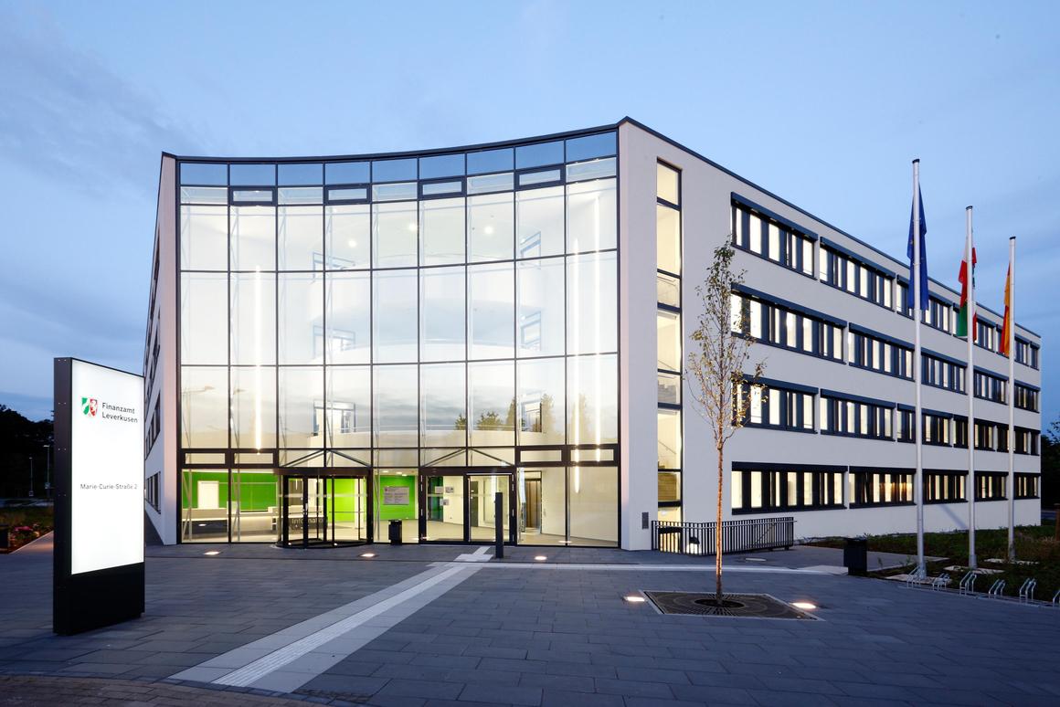 Finanzamt Leverkusen-Außenansicht